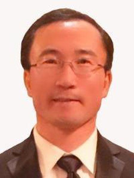 Yaomin Dong